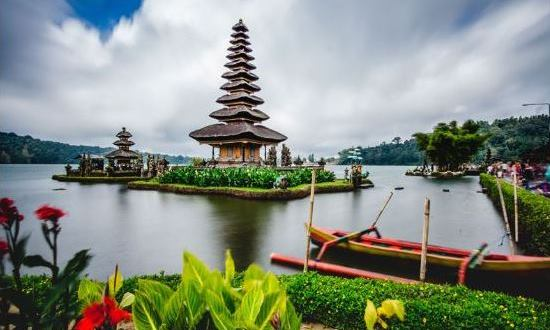 adi ubud tour-professional tour guide and speaking English driver-bali tour guide- interesting place in Bali