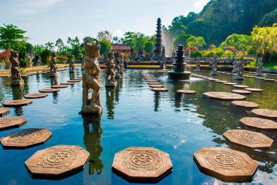 Tirta Gangga water palace – one day tour to explore East Bali